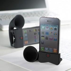 Para que tudo o que seja emitido pelo seu iPhone seja ouvido em alto e bom som!